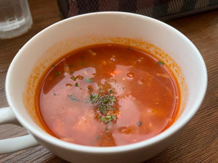 人参スープ-うるまキッチン、ネリネ